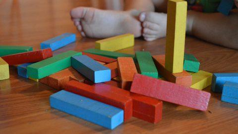 Holzspielzeug hat einige Vorteile