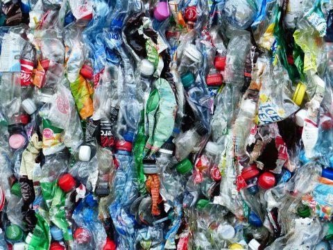 Forderung: EU-Plastiksteuer ab Jänner 2021