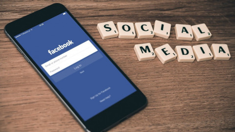 Facebook kämpft gegen Fake News bei Klimawandel