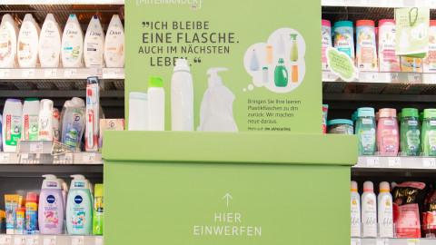 Verpackungsrücknahme: dm sammelt leere Kunststoffverpackungen